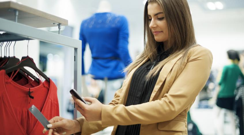 Beyond Showrooming and Webrooming: How Omnichannel Retailers Delight Shoppers